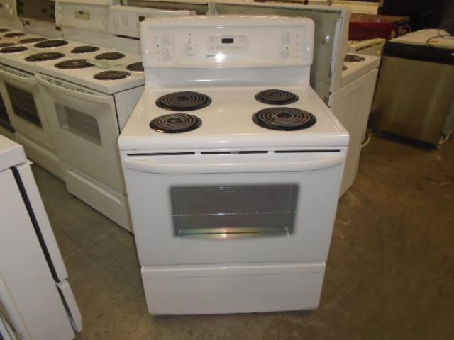 CUISINIERE KENMORE / KENMORE STOVE